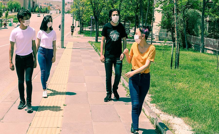 Gençler Sokakta